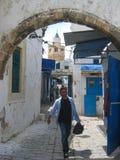 En gata i souken. Bizerte. Tunisien royaltyfri fotografi