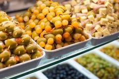 Typisk spansk matmarknad. Arkivfoton