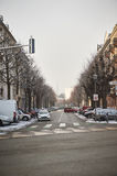 Typisk Strasbourg gata med domkyrkan i bakgrunden Royaltyfri Fotografi