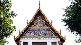 Typisk tak med prydnader av thai tradition Royaltyfria Foton