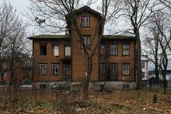 Typisk trähus i Tallinn Royaltyfri Fotografi