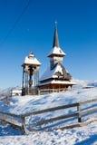 Typisk woden kyrkan från Moeciu Royaltyfria Bilder