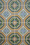typiska gammala dekorativa tegelplattor fotografering för bildbyråer