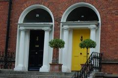Typiska georgiska dörröppningar i Dublin Royaltyfria Foton