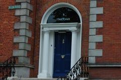 Typiska georgiska dörröppningar i Dublin Royaltyfri Bild