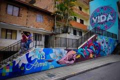 Typiska grafitti i Comuna 13, Medellin Royaltyfri Bild