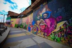 Typiska grafitti i Comuna 13, Medellin Arkivbild