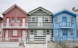 Typiska hus av Costa Nova, Aveiro, Portugal Arkivfoto
