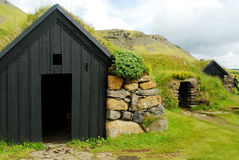 Typiska hus av Skogar, Island royaltyfri bild