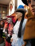 Typiska kläder i Cusco - Perú Arkivbilder