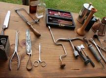 Typiska medicinska instrument som används under inbördeskrigbeträffande-lag, Gettysburg, Pennsylvania, Maj 2013 Royaltyfri Fotografi