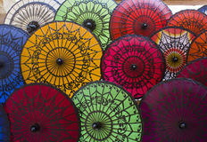 Typiska Myanmar paraplyer Royaltyfri Fotografi