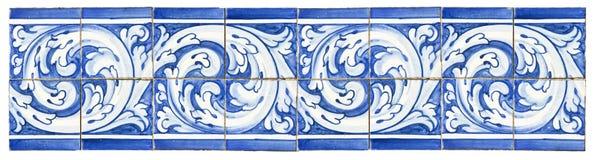 Typiska portugisiska garneringar med kulöra keramiska tegelplattor Det ` s arkivbilder