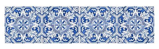 Typiska portugisiska garneringar med kulöra keramiska tegelplattor - frontal sikt arkivfoto