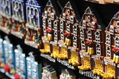 Typiska souvenir i Amsterdam Royaltyfria Foton