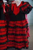 Typiska spanska klänningar för kvinnlig royaltyfria foton