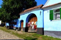 Typival hus i byn Viscri, Transylvania Royaltyfri Fotografi