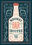 Typograficzny retro projekta whisky baru plakat Rocznik etykietka z stylizowaną whisky butelką również zwrócić corel ilustracji w Obrazy Royalty Free