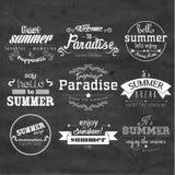 Typografie-Sommerferien-Ausweis-Design Lizenzfreie Stockfotografie