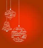 Typografische Weihnachtskugeln auf dem roten Hintergrund Stockbild