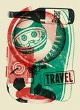 Typografisches Retro- Schmutzreiseplakat Auch im corel abgehobenen Betrag Stockfoto