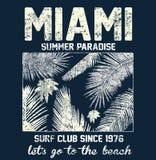 Typographie de Miami Beach avec l'illustration florale pour le prin de T-shirt Image libre de droits