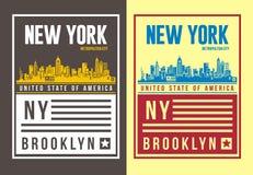 Typographie de New York City de vintage pour le T-shirt, emblème, Images libres de droits