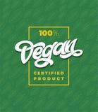 Typographie de PRODUIT CERTIFIÉ de 100 VEGAN avec le cadre Modèle sans couture vert avec la feuille Lettrage manuscrit pour illustration libre de droits