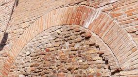 Typowa antyczna włoszczyzna domu ściana robić kamienie i cegły, z okno i latarnią uliczną zdjęcie wideo