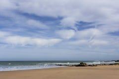 Typowa dzika plaża w Tangier zdjęcie stock