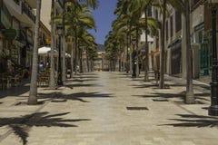 Typowa Hiszpańska zakupy ulica w Andalusia fotografia royalty free