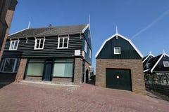 Typowa holendera domu wioska w Marken wyspie holandie Zdjęcia Royalty Free