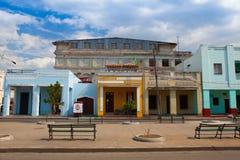 Typowa kolonialna ulica w Cienfuegos, Kuba Fotografia Royalty Free
