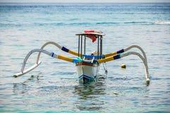 Typowa lokalna łódź w Bali, Indonezja zdjęcia stock