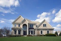 typowe suburbanluxury cegły w domu Zdjęcie Royalty Free