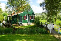 Typowi holenderów domy. Zaandam, Holandia Obrazy Royalty Free