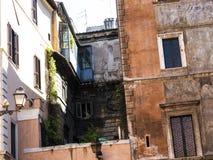 Typowi miasto domy blisko piazza Navona w Rzym Włochy Obraz Royalty Free