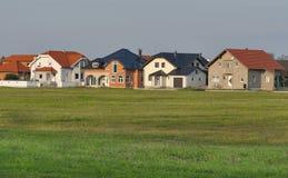 Typowi nowożytni mieszkaniowi domy, Chorwacja fotografia royalty free
