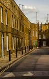 Typowi starzy Angielscy budynki, niscy ceglani domy Fotografia Stock