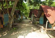 Typowi starzy bungalowy przy Perhentian wyspą Kecil, Malezja Fotografia Royalty Free