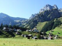 Typowo malownicza wysokogórska wioska, Urnerboden fotografia stock