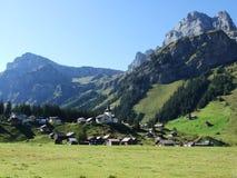 Typowo malownicza wysokogórska wioska, Urnerboden obraz stock