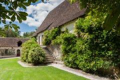 Typowo malowniczego xvi wiek Francuski dom wiejski w romantycznym Zdjęcia Royalty Free