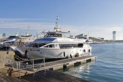 Typowy łódkowaty nazwany Golondrinas przy schronieniem w Barcelona Zdjęcia Royalty Free