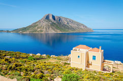 Typowy grka dom w pokojowym kurorcie, Grecja Zdjęcia Royalty Free