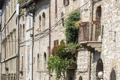 Typowy mieszkaniowy stwarza ognisko domowe w mieście Assisi, Włochy Fotografia Royalty Free