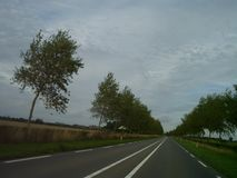 Typowy Niemiecki wiejska droga projekt zdjęcie royalty free