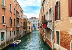 Typowy przesmyk wody kanał w Wenecja Zdjęcie Royalty Free