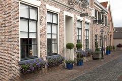 Typowy stary kwadrat starzy Holenderscy czasy iść obok obrazy royalty free