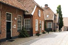 Typowy stary kwadrat starzy Holenderscy czasy iść obok obraz stock